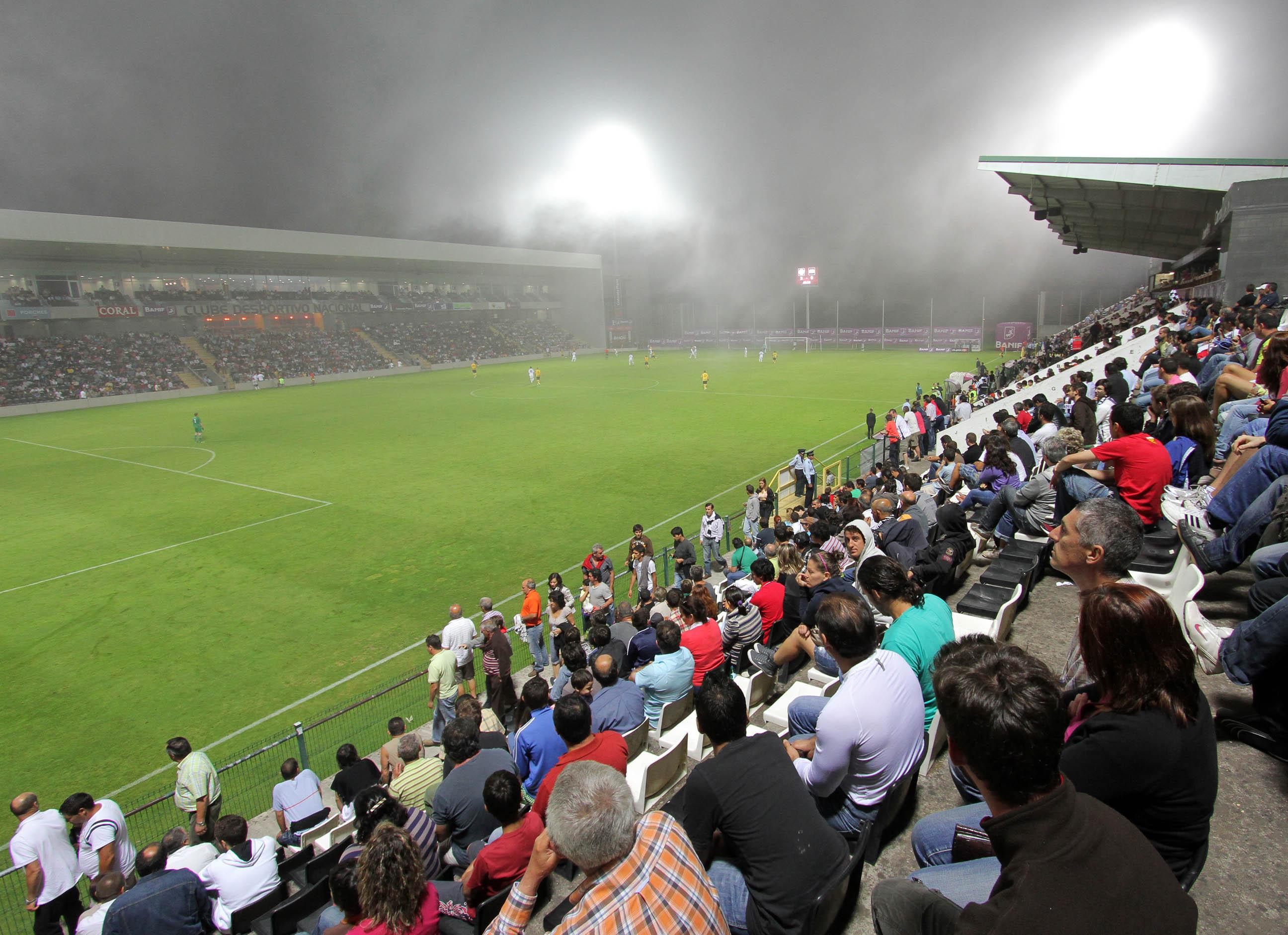 Nacional Benfica: Clube Desportivo Nacional Bilhetes Todos Vendidos Para O