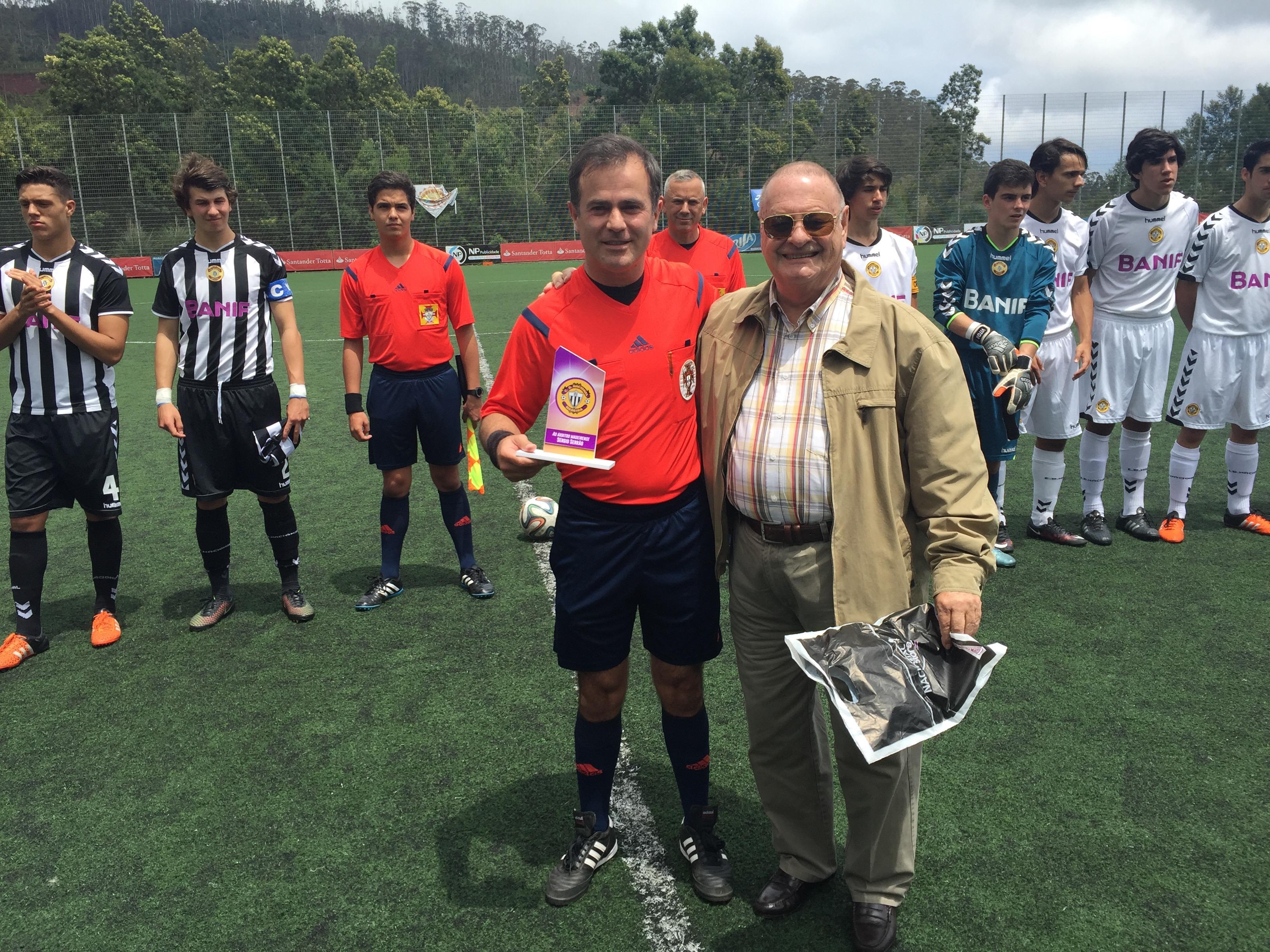 Feirense: Clube Desportivo Nacional Sérgio Serrão Homenageado No