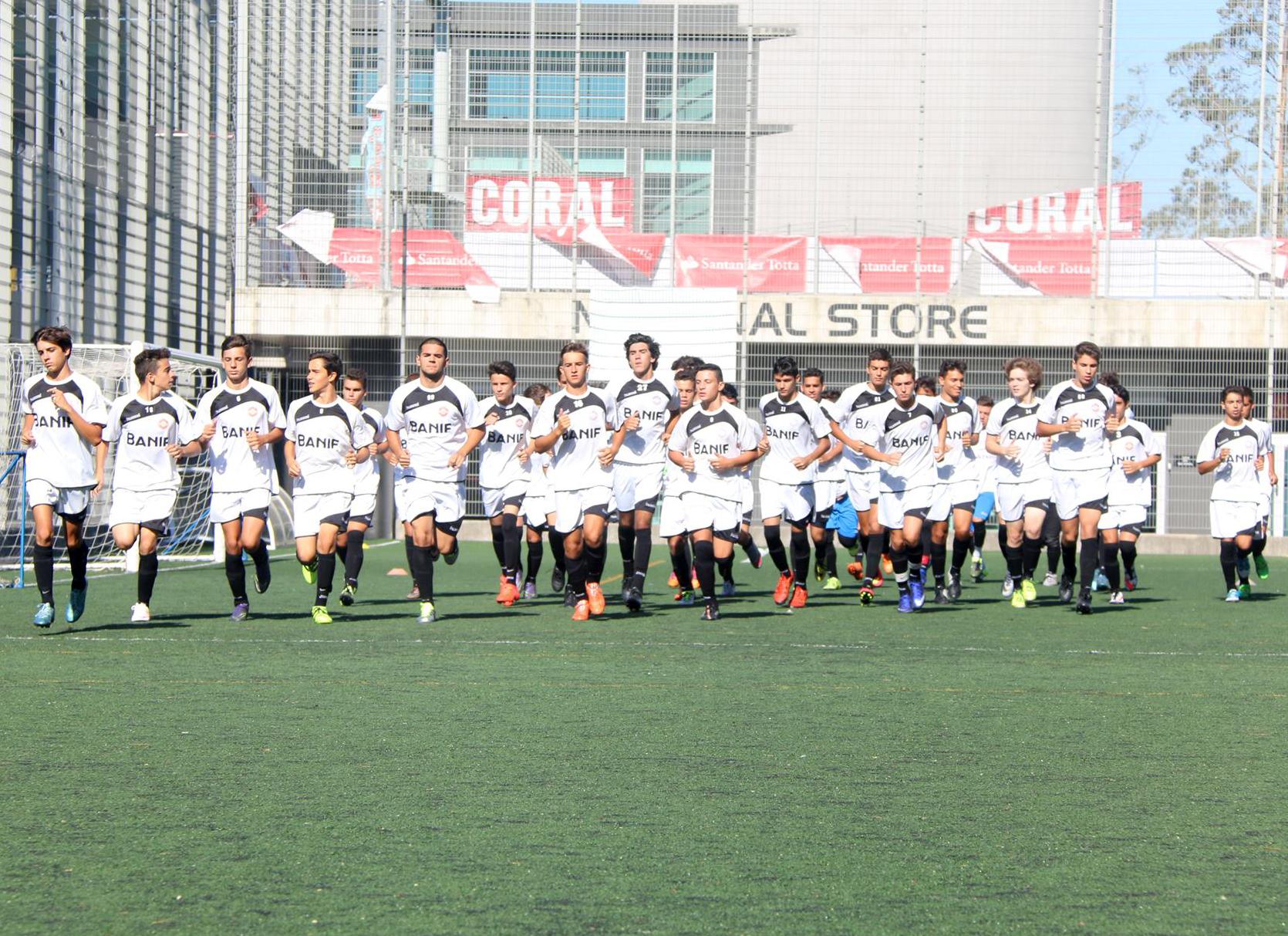 Clube Desportivo Nacional Futebol de formação conheceu calendários e703cf1d63db5