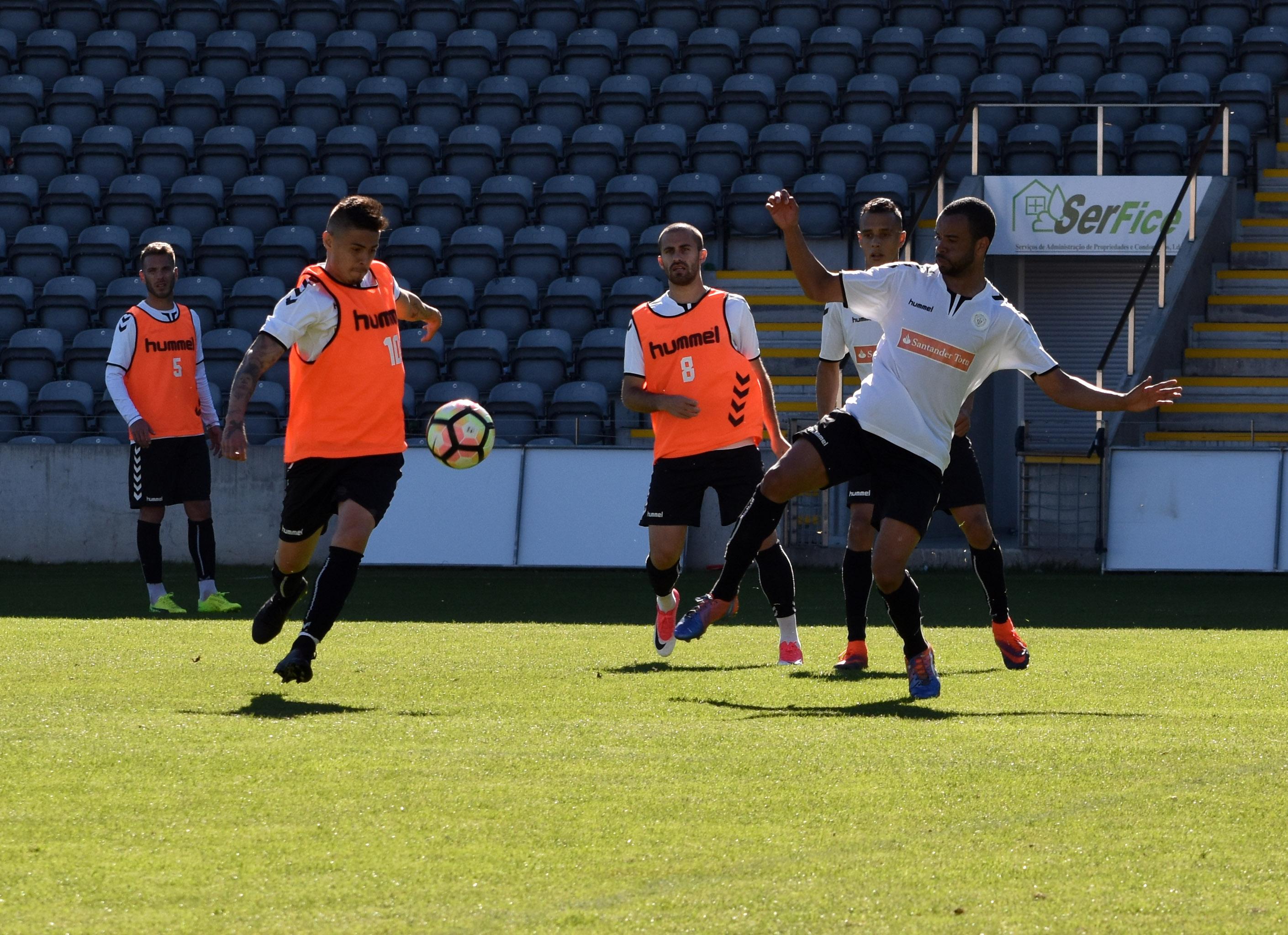 Feirense: Clube Desportivo Nacional Plantel Sénior Voltou Hoje Ao