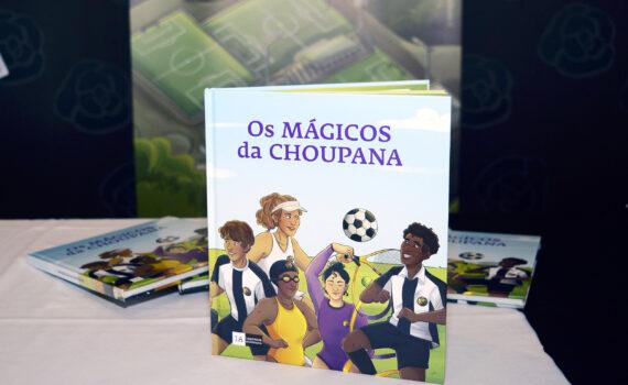 Livro 'Os Mágicos da Choupana'